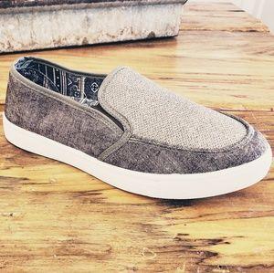 New! Muk Luks Sneaker